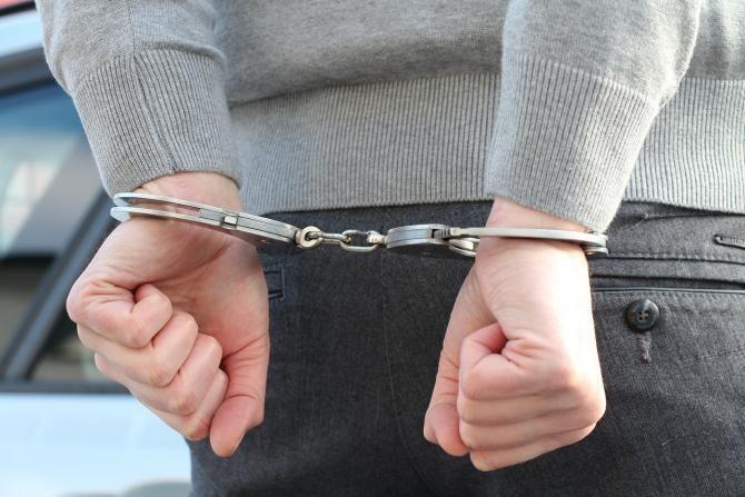 Bărbat din Botoșani, reținut pentru înșelăciune / Imagine de 4711018 de la Pixabay