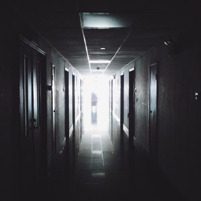 Tentativă de sinucidere la Iași / Imagine de Foundry Co de la Pixabay