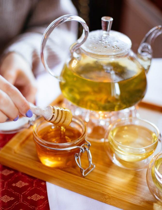 Bea ceai de mușețel cu miere zilnic. Dr. Bilic: Exemplu clar că fericirea vine din lucrurile mici, FOTO pexels