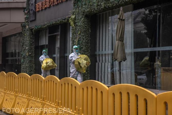 China a interzis un videoclip în care mai mulţi oameni merg ca nişte pinguini, după efectuarea testelor anale de COVID-19