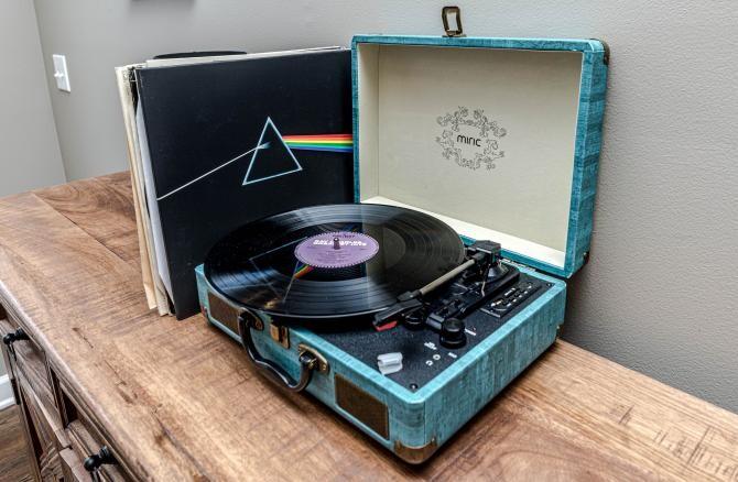 Discurile de vinil, vânzări record pe timp de pandemie  /  Sursă foto: Pixbay