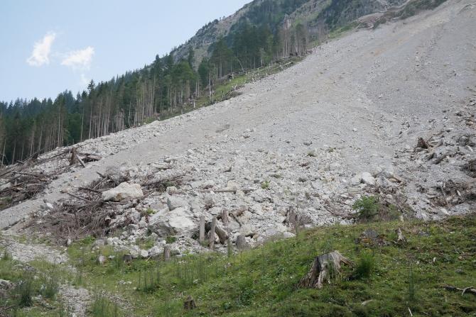 DN7, BLOCAT în Arad din cauza unei alunecări de teren  /  Sursă foto: Pixbay