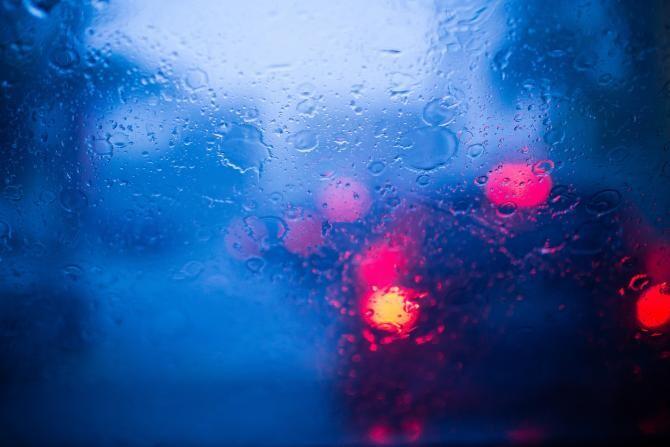 Infotrafic: Ploaie torenţială pe A3. Există risc de acvaplanare
