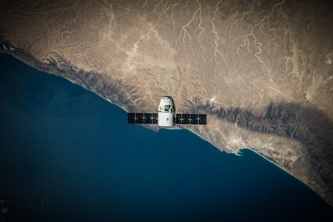 SpaceX, lansare sateliti