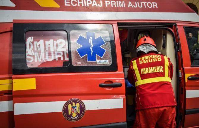 Microbuz cu 7 persoane s-a răsturnat în Mănești, Prahova