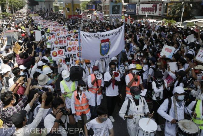 Protest împotriva loviturii de stat din Myanmar