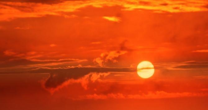 Nor de praf din Sahara, deasupra României. Sursa: Pixabay