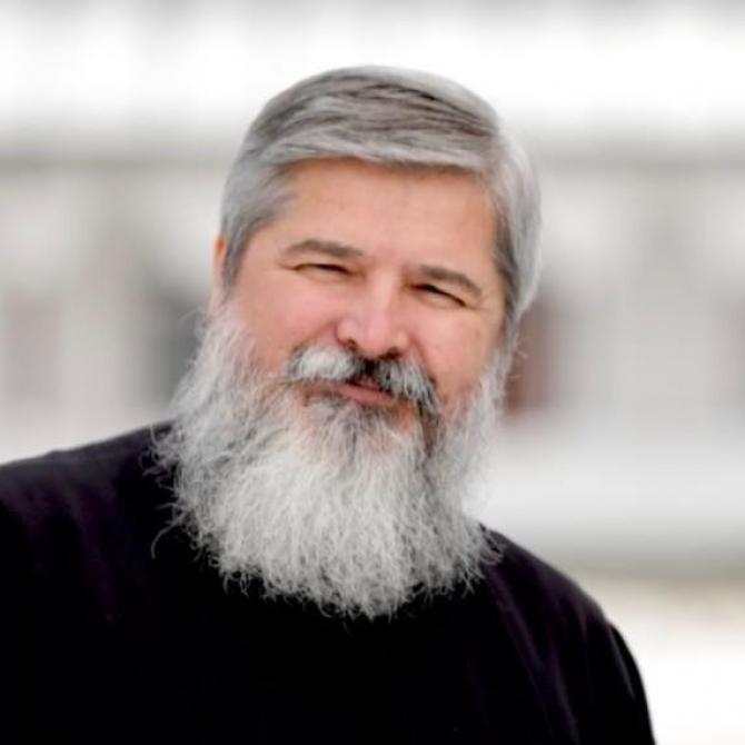 La slujba de duminică, părintele Vasile Ioana a vorbit, la Biserica Sfântul Nicolae Dintr-o Zi din București, despre ce a făcut Biserica Ortodoxă Română pentru români. Cu dezamăgire, preotul a spus că și-ar fi dorit să apară în presă mai multe titluri în