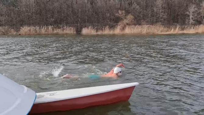 Paul Georgescu, RECORD mondial. Peste 3,5 km în ape la 4 grade Celsius. Foto: Paul Georgescu / Facebook