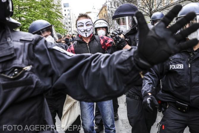 Proteste anti-lockdown în Dublin. Poliția a intervenit în forță