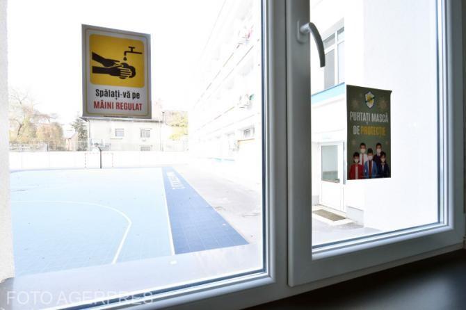 Răzvan Cherecheş, mesaje care trebuie să apară peste tot în şcoală