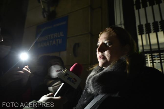 """Șoșoacă a fost prinsă de Marian Ceaușescu, care a întrebat-o de ce este """"mahalagioaică"""""""