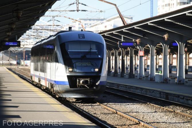 Studenții nu mai au gratuit la tren. Florin Cîțu: Se modifică, se revine la 50%
