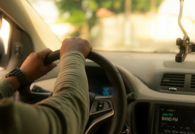 Marea Britanie a decis că șoferii Uber sunt angajați, nu contractori independenți