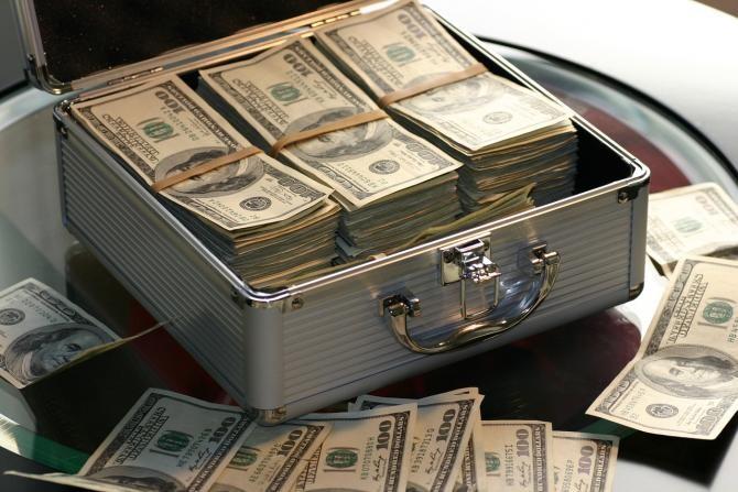 Un bărbat este bun de plată după ce a fost condamnat să-i plătească fostei soţii 7.700 de dolari pentru munca domestică