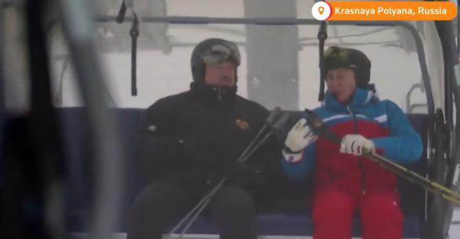 Vladimir Putin și Alexandr Lukașenko la schi  Sursa foto: Twitter