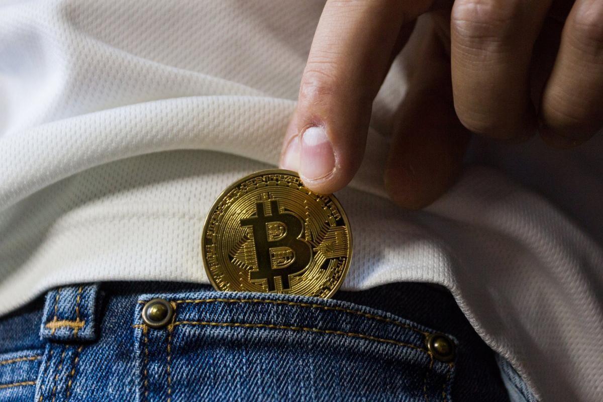 bitcoinul poate înlocui dolarul bitcoin preț decembrie 2021