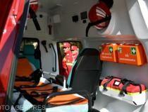 Ambulanță lovită de o mașină, la Botoșani
