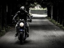 Foto ilustrativ - motociclist / Imagine de SplitShire de la Pixabay