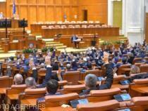 PSD şi AUR s-au retras din plenul Senatului, nemulţumiţi de votul mixt tabletă-telefon dorit de PNL - USR pentru a adopta Legea 'Trădării Naționale'