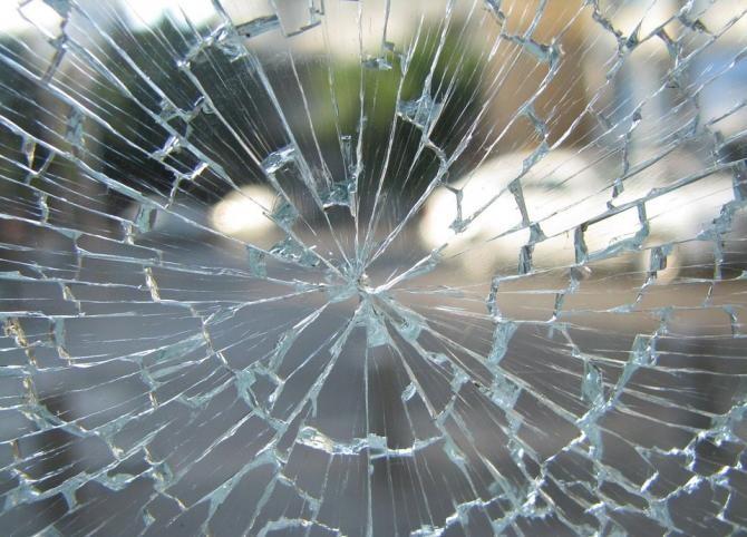 Accident grav între un TIR și patru mașini în județul Vâlcea