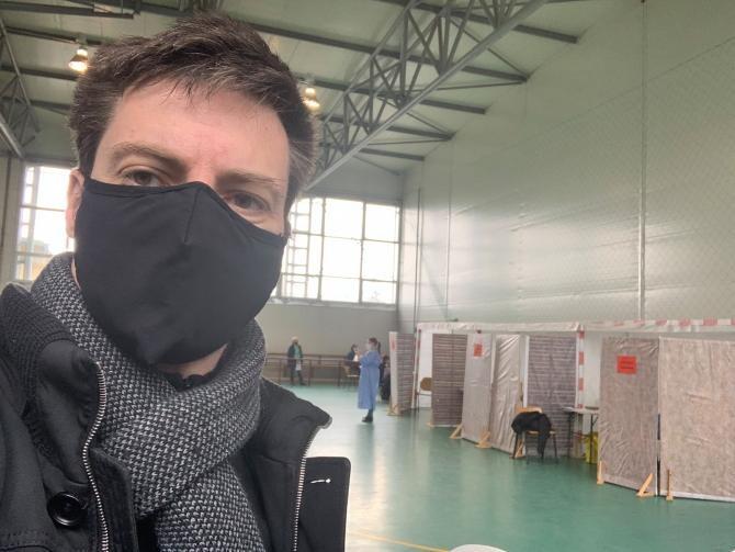 """Andrei Caramitru s-a făcut de râs când a numit protestatarii anti-restricții """"analfabeți funcționali"""""""