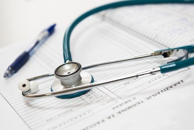 CNAS: De la 1 aprilie, medicamentele prescrise vor putea fi ridicate de la orice farmacie