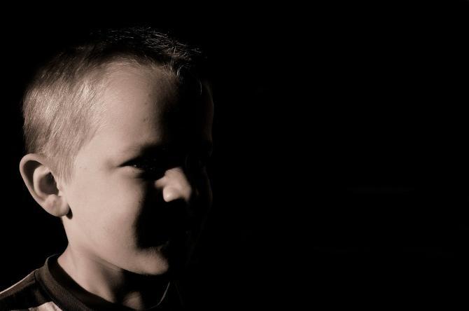 Un copil de 11 ani ar fi spart o cabană / Imagine de PublicDomainPictures de la Pixabay