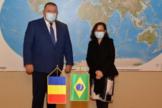 Mihai Daraban alături de ambasadorul Braziliei la București, doamnaMaria Laura da Rocha