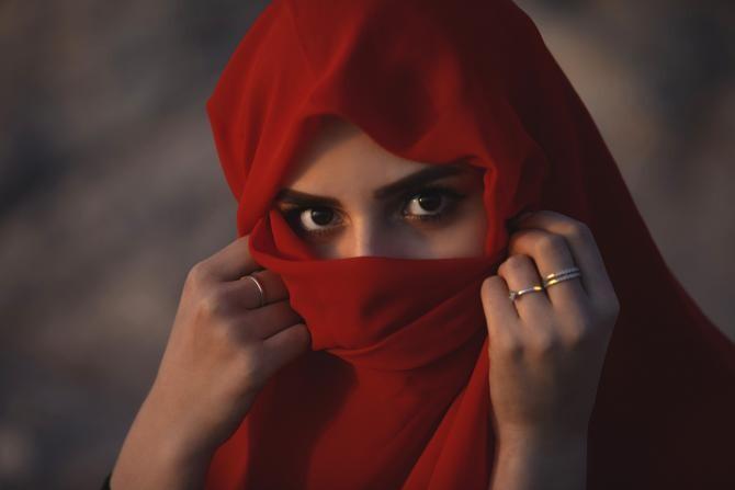 Elveţia adoptă iniţiativa împotriva burqa