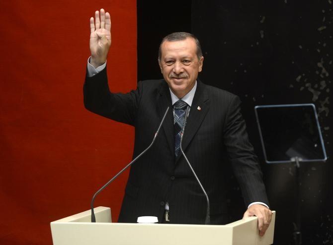 "Recep Tayyip Erdoğan a umplut Turcia de bannere cu mesajul ""Love Erdoğan"" / Sursă foto: Pixbay"