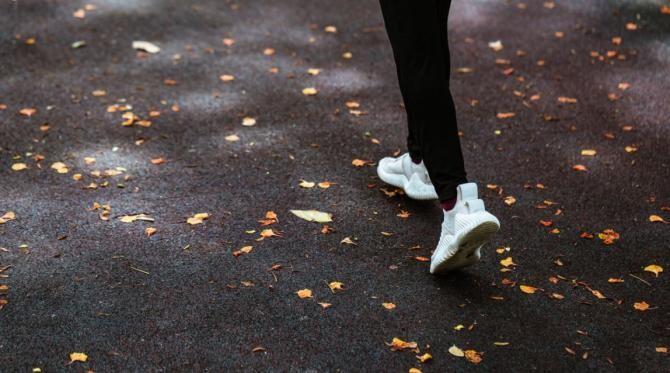 8 ore de sedentarism pe zi, 75 de minute de sport intens. Hâncu, nutriționist: Nu stați și seara pe canapea / Foto Pexels
