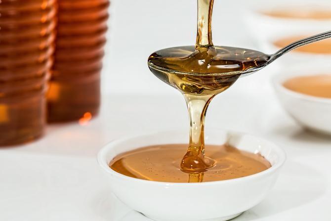 Mierea de albine, interzisă dacă suferi de aceste boli. Poate fi toxică, avertizează un medic