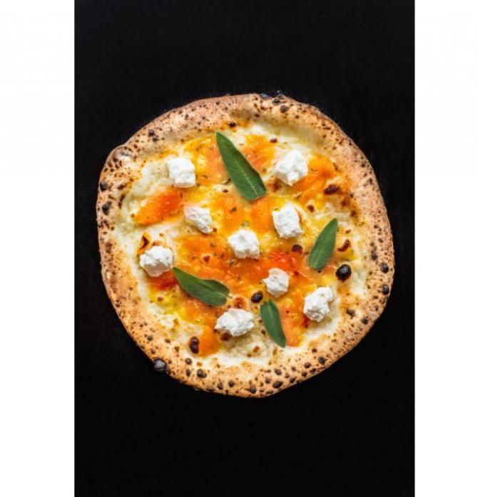 O femeie s-a salvat din mâinile agresorului comandând o pizza la 112 / Foto Pexels