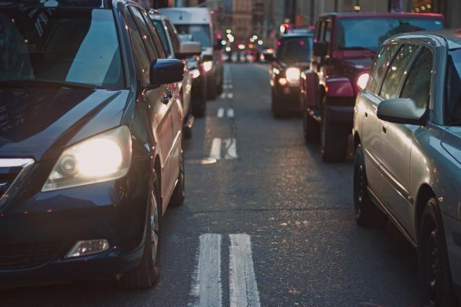 Primarii de sector propun CGMB creșterea taxelor de parcare. Noile tarife ajung până la 600 de lei pe an