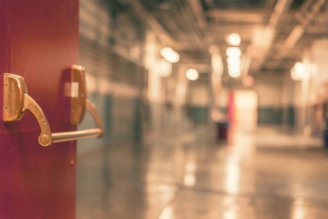 Procurorii cercetează dacă pacienţii cu Covid-19 sunt ucişi în Secţia ATI a Spitalului Judeţean din Sibiu