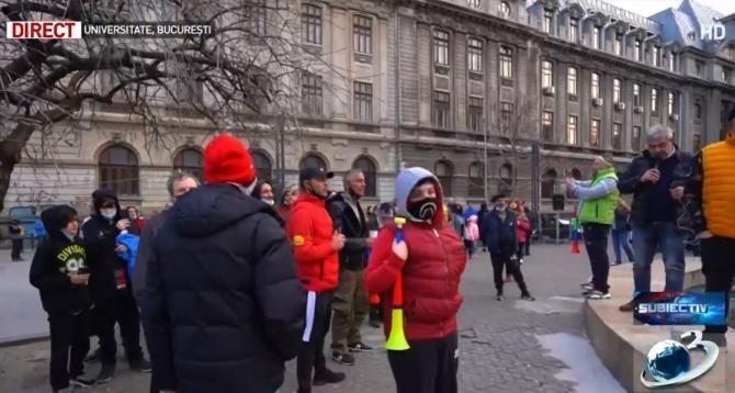 """La protestul din Piața universității se zice rugăciunea """"Tatăl Nostru"""""""