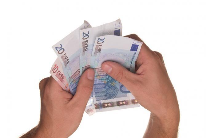 Salariul mediu net a scăzut în România. Angajații din HoReCa, cel mai prost plătiți  /  Foto cu caracter ilustrativ: Pixabay