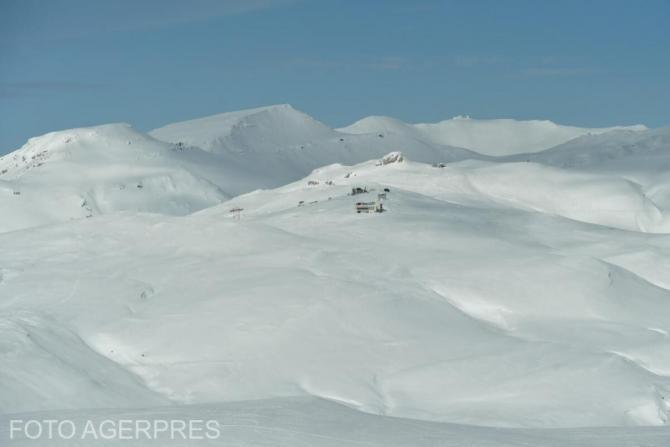 Schior accidentat într-o zonă din Bucegi cu risc mare de avalanşă
