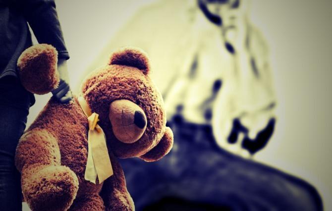 Un pedofil care a abuzat doi copii a scăpat cu pedeapsa minimă. S-a lăudat prietenilor cu faptele sale  /  Foto cu caracter ilustrativ: Pixabay