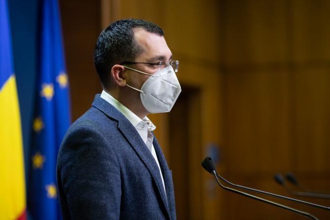 Salarii neplătite. Vlad Voiculescu: Medicii din centrele de vaccinare se plătesc de ieri. Un funcționar din MS a fost cauza pentru întârziere