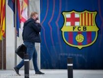 Antrenorul Ronald Koeman (FC Barcelona), suspendat după cartonașul roșu primit în meciul pierdut cu Granada