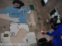 Avocatul lui Maradona susţine că fiicele sale l-au furat şi abandonat
