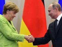 Merkel și Putin, preocupaţi de escaladarea tensiunilor