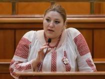 După permisul de port-armă, Diana Șoșoacă își va lua și pistol?