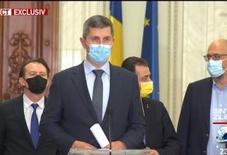 Barna i-a luat fața lui Cîțu în timpul declarațiilor, după ședință. Chirieac: Este umilirea publică a prim-ministrului