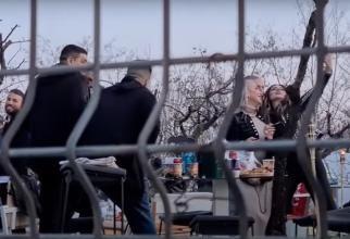 Ați râs de protestarii anti-restricții, dar ați închis ochii când ați văzut șmecherii de la Buzău. Aceste imagini ar trebui văzute inclusiv de Andrei Caramitru