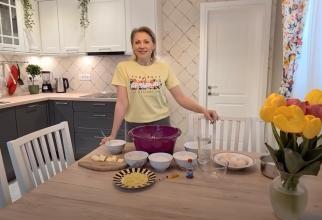 Mirela Vaida: Cozonac moldovenesc cu umplutură de nucă, stafide și rahat, după rețeta mamei / video