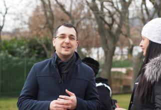Vlad Voiculescu și CV-urile de la Ministerul Sănătății