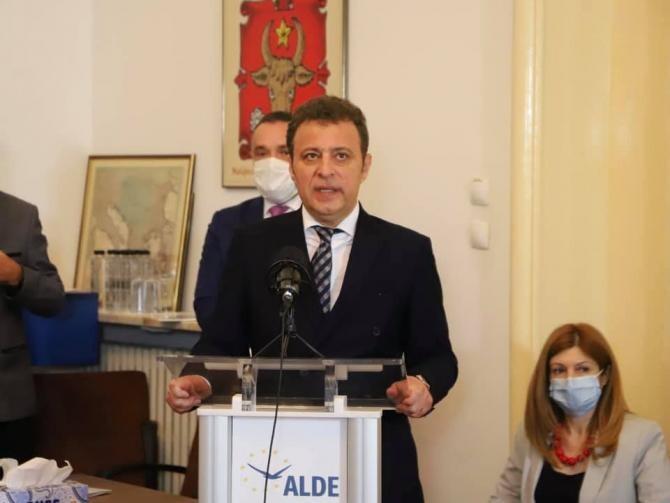 ALDE România, mesaj după decesul lui Hans van Baalen, președintele ALDE Europa  /  Sursă foto: Facebook Daniel Olteanu